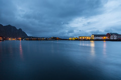 Svolvr, Lofoten (cpphotofinish) Tags: ocean blue autumn light sunset sky panorama mountain color colour reflection fall water weather norway clouds canon landscape outside island eos daylight norge photo reflex day skies foto bright image harbour outdoor n panoramic norwegian nordic dslr scandinavia canondslr lofoten havn bilder vann bluelight skyer kaia hst hurtigruten landskap bilde svolvr norske farger mk3 nordland skandinavia svinya f4l canonef ef24105mmf4lisusm carstenpedersen canonmkiii mklll canon5dmk3 eos5dmk3 verdensvakrestesjreise cpphotofinish canonredlable