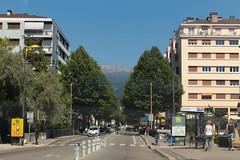 Avenue du Pont Neuf - Annecy (France) (Meteorry) Tags: street city urban france annecy june europe rue hautesavoie 2015 rhnealpes meteorry crangevrier auvergnerhnealpes avenuedechambry avenuedupontneuf