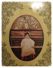Thirty two - Sasha and the Old Piano (Pushapoze -) Tags: sepia tennessee sasha gatlinburg oval