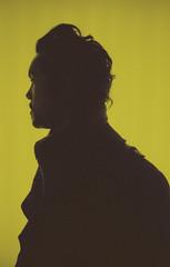 Kristian (Jasmin Wolff) Tags: man yellow 50mm thinking canonae1 portra kodakportra