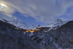 Le village (Ronan'35) Tags: montagne village neige paysage soir pyrnes gourette ronanlambert