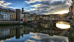 Sunrise at Ponte Vecchio (Luna y Valencia) Tags: alba amanecer florencia firenze toscana pontevecchio oldbridge bestcapturesaoi elitegalleryaoi