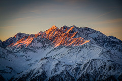 Burning Mountain (vs_foto) Tags: morning winter snow mountains alps nature berg sunrise canon landscape austria sterreich nationalpark outdoor alpen peaks landschaft 3000 sonnenaufgang alpenglow hohetauern alpenglhen heiligenblut bergspitze 3000er canon7d