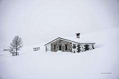 Nieve virgen (Jabi Artaraz) Tags: winter nature nieve natura zb refugio elurra gorbea gorbeia arraba euskoflickr superaplus aplusphoto ganguren jabiartaraz jartaraz aterpea