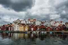 DSC_7443_1280 (Vrakpundare) Tags: port boats sweden harbour jetty sverige westcoast fishingvillage bohuslän brygga hamn grundsund västkusten båtar fiskeby sjöbod sjöbodar henryblom vrakpundare
