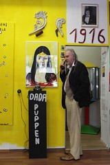 100 Jahre Dada 1916-2016 (bsdphoto) Tags: berlin art deutschland kunst bart galerie portrt exhibition mann dada telefon deu ausstellung charlottenburg 1916 knstler gemlde jubilum langehaare dadaismus kunstgeschichte altestelefon tischtelefon kantstrase schnurtelefon dadaberlin kunstrichtung schwarzestelefon dadapuppen baronrobertvonberlershaut berlershaut radikalekunst knstlerischebewegung literarischebewegung zulimonartbox 100jahredada