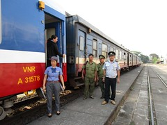 Vietnam railway staff at Song Than station (Barang Shkoot) Tags: station uniform asia carriage guard police rail railway vietnam staff locomotive hcm railways gauge saigon conductor indochina metre vnr rotfai ngst dsvn