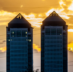 sunset behind the white towers, the golden hour (maurogigli) Tags: sunset white tramonto towers goldenhour torri bianche torribianche whitetowers oradoro myneit