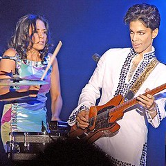 Photo (plaincut) Tags: music other with working prince we e pushed ew artic each sheila reflects plaincut