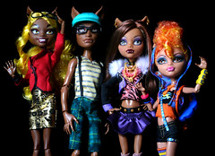 Wolf Family (back2s0ul) Tags: monster high wolf clawdia clawd howleen clawdeen