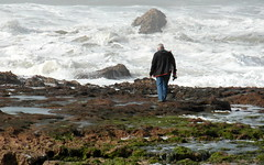 the old man and the sea (kexi) Tags: ocean africa old sea man wow march rocks waves samsung morocco maroc hemingway 2015 maroko instantfave oualidia wb690