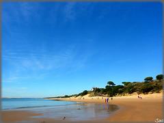 El Portil-Huelva (Spain) (sky_hlv) Tags: summer espaa praia beach rio river andaluca spain europa europe huelva playa resort verano atlanticocean pinares riopiedras costadelaluz puntaumbra cartaya elportil oceanoatlntico reservanatural