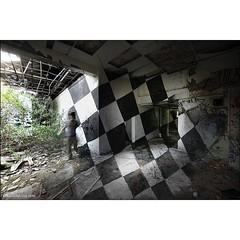 'By Eye Master at work' a found frame from a day with @chu3d in the countryside. #Wallkandy #art #anamorphic #painting #graffiti #streetart #CHU #fb #f #t #p #3D (Photos  Ian Cox - Wallkandy.net) Tags: street streetart art canon ian photography graffiti gallery document cox wallkandy