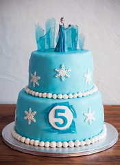 Tarta - Elsa - Isslott helbild WEB (manuel ek) Tags: birthday cake frost decoration disney birthdaycake linda elsa icecastle cupcakedream