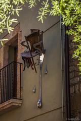 La silla fundente (SantiMB.Photos) Tags: sculpture espaa geotagged chair escultura silla esp besalu cataluna 2tumblr sal18250 2blogger geo:lat=4219867120 geo:lon=269824058