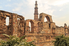 Qutb Minar (KrsnaPixels) Tags: world heritage history architecture sandstone minaret delhi unesco moghul