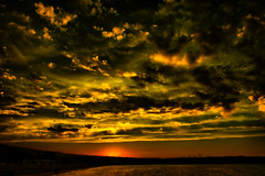 Sunset (Jocarlo) Tags: light sunset sky sun luz sol backlight clouds contraluz ngc amanecer nubes photowalk editing genius melilla nationalgeographic photografy iluminación photograpfy afotando flickraward sharingart arttate magicalskies photowalkmelilla crazygenius crazygeniuses pwmelilla blinkagain jocarlo creativephotografy flickrstruereflection1 magicalskiesmick clickofart soulocreativity1 flickrclickx adilmehmood creativeartphotografy