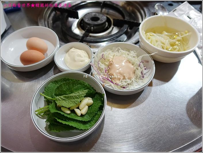 釜山西面喜兒家的小章魚和綠豆餅 (4).JPG