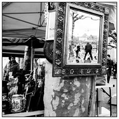 flea market mirror (08dreizehn) Tags: blackandwhite bw monochrome germany deutschland europa europe hessen frankfurt spiegel sw schwarzweiss fleamarket allemagne frankfurtammain flohmarkt whiteandblack noireetblanc marchéauxpuces frankfurtm blancetnoire nikond800 08dreizehn nullachtdreizehn thomashassel afsnikkor20mm118ged