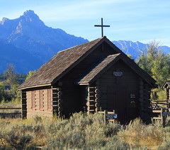 Episcopal Church of the Transfiguration, Menor Ferry Historic District - Grand Teton National PArk, Wyoming (danjdavis) Tags: church nationalpark wyoming grandtetons episcopalchurch grandtetonnationalpark logchurch spencersmountain menorsferryhistoricdistrict episcopalochurchofthetransfiguration