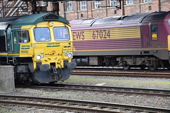 DSC_1110 Doncaster Railway Station 66543 Freightliner Locomotive Class 66 (photographer695) Tags: england ontario canada london make station by that is sad general railway it any 66 class does longer built locomotion doncaster freightliner 19982000 66543 motorsemd locomatives