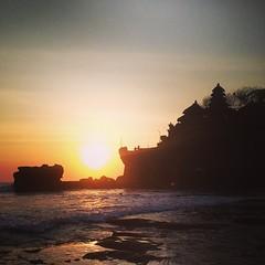 #indonesia #bali #tanahlot #temple #sunset (djulinho) Tags: sunset bali indonesia temple tanahlot uploaded:by=flickstagram instagram:venuename=tanahlot2cbali2cindonesia instagram:venue=212996732 instagram:photo=81368710455479655716134992