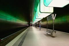 Hafencity Universitt (Steffi_93) Tags: station train lights metro hamburg zug architektur grn hvv u4 haltestelle metrostation hafencity linien beleuchtet hafencityuniversitt