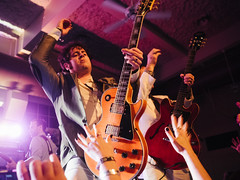 Electric Six (BurlapZack) Tags: pink hands audience bokeh guitar availablelight stage livemusic wideangle solo handheld guitarist musicfestival electricsix pack01 dentontx gdac vscofilm 35denton olympusmzuiko17mmf18 olympusomdem5markii