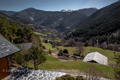 Andorra rural: La Massana, Vall nord, Andorra (lutzmeyer) Tags: pictures mountain mountains primavera nature berg rural sunrise landscape photography spring weide montana europe dorf village photos pics natur pueblo abril natura paisaje images berge fotos valley april below baixa landschaft sonnenaufgang unten andorra bilder imagen pyrenees muntanya tal springtime iberia frhling montanas pirineos pirineus iberianpeninsula gebirge parroquia paisatge landleben pyrenen imatges rurallife poble muntanyes frhjahr bordes vallnord sispony gebirgszug iberischehalbinsel sortidadelsol cortalsdesispony lamassanavallnord canoneos5dmarkiii livingrural lndlichesleben lamassanaparroquia lutzmeyer lutzlutzmeyercom