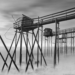 3 Carrelets (Moises Levy L) Tags: longexposure red blackandwhite bw france blancoynegro water blackwhite seascapes hasselblad explore lee explored phaseoneiq260