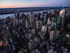 New York City, Empire State Sunset (Juanma Agudo http://elindulgist.com) Tags: sunset usa newyork state manhattan olympus empire empirestate omd em1