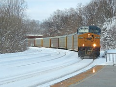 CSX 7687 (Trains & Trails) Tags: railroad winter cold train diesel pennsylvania january engine transportation locomotive ge generalelectric csx autorack fayettecounty connellsville c408w 7687 darkfuture widecab yn3b q21623