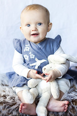 Me and my bunny (ingelaclaesson) Tags: blue baby bunny girl smiling kid dress ingela fotografering claesson ingelaclaesson