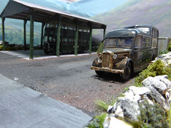 Commer Commando, Sheldons Garage. (ManOfYorkshire) Tags: bus ex buses model garage leicester shed deck half depot moors rusting base commando confidence parkroyal commer unused ref diecast sheldons bishopauckland guyarab oxforddiecast xat368