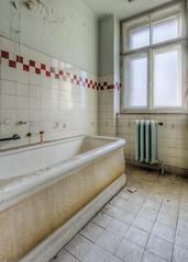 20151229-FD-flickr-0006.jpg (esbol) Tags: bathroom shower ceramics sink bad toilet toilette bathtub badewanne urinals pissoir keramik dusche waschbecken kloschssel kloset