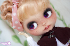 Evey loves Botany (Meggilu) Tags: white eye love face up doll dolls skin outdoor body ooak teeth carving chips rosebud customized lip blythe freckles custom botany pure tone deers mademoiselle sbl customization feeler neemo stype flection azone faceup meggilu