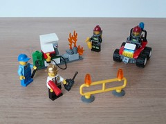 LEGO 60088 LEGO CITY Fire Starter Set (Totobricks) Tags: city fire lego howto instructions minifigs build firefighter minifigures legocity fireatv firestarterset totobricks lego60088