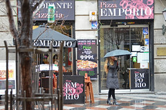 Oferta del da (Cazador de imgenes) Tags: madrid street winter espaa spain nikon streetphotography streetphoto invierno 16 espagne spanien spagna spanje spania  2016 spange d7000