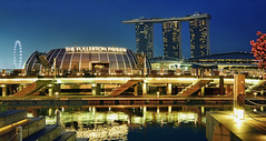 Fullerton Pavilion & MBS (williamcho) Tags: singapore casino marinabay onefullerton singaporeflyer theshoppes