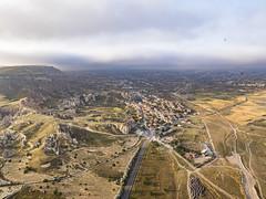 Vista aérea de Çavuşin, Capadocia, Turquía