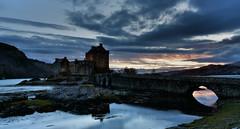 Eilean Donan castle (UndaJ) Tags: sunset castle scotland highlands eilean donan