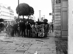 Manifestation 09-04-16 Rennes - Bomber - www.alter1fo (8) (alter1fo) Tags: de rebel chaos travail violence rvolution rebellion incident fo march rennes barre tudiants manifestation sud fer loi crs tudiant cgt bless cagoule gouvernement policire meutes solidaire lices syndicat dbordements casseurs emeutes saccage dbordement