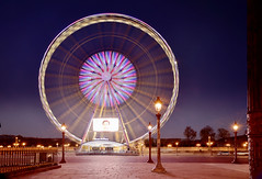 Roue de Paris (Sizun Eye) Tags: city longexposure paris france wheel night lights town nikon europa europe place capital tourist le d750 ferriswheel capitale tamron westerneurope placedelaconcorde roue kolo 2470mm stolica poselongue europedelouest rouedeparis paryz sizun tamron2470mmf28 nikond750 sizuneye
