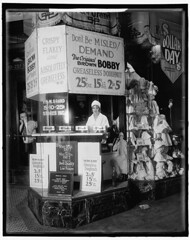 """""""Greaseless Donuts 2 for 5 Cents"""". Washington, D.C., circa 1925. Harris & Ewing Collection glass negative [811 x 1024][OS] #HistoryPorn #history #retro http://ift.tt/1VvtuE8 (Histolines) Tags: history glass dc washington x retro collection negative timeline harris circa 811 1925 ewing vinatage historyporn histolines 1024os greaselessdonuts2for5cents httpifttt1vvtue8"""