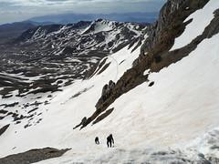 Salendo alla sella di monte Aquila (RenatoG_rm) Tags: mountains montagna abruzzo appennino gransasso apennines selladimonteaquila