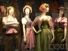 BELLEZZE TEUTONICHE. (Skiappa.....v.i.p. (Volentieri In Pensione)) Tags: lumix moda panasonic negozio vetrina germania manichini commercio abiti explore160 skiappa