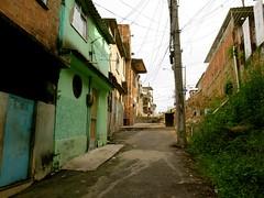 subida mais em cima (CatComm | ComCat | RioOnWatch) Tags: brazil water gua brasil riodejaneiro sewage favela picapau esgoto cordovil