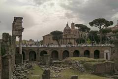 Buon compleanno, Roma! Oggi,  21 aprile, viene celebrato lanniversario della fondazione della  citt eterna che  compie 2769 anni anticamente conosciuto anche come Dies Romana, oggi pi semplicemente Natale di Roma. La leggenda dietro questa suggestiva (maresaDOs) Tags: roma italia monumento compleanno fori storia natalediroma