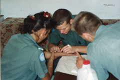1992 UNIFIL - Medics education (Normann Photography) Tags: lebanon norway education course infusion un unitednations service 1992 drama peacekeepers bloodvessels lifesaving libanon coya norwegianarmy kompania unifil unitednationsinterimforceinlebanon unitednationsinterimforcesinlebanon becarefulplease fntjeneste
