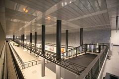 U-Bahnhof (U55) Hauptbahnhof - von oben (Pascal Volk) Tags: berlin architecture underground subway metro platform bahnhof wideangle railwaystation ubahn architektur wa ww subwaystation 16mm mainstation centralstation ubahnstation metrostation ubhf superwideangle undergroundrailway sww berlinhauptbahnhof bvg berlinmitte uwa weitwinkel swa rapidtransit vbb ultrawideangle metrosystem uww untergrundbahn ubf ubahnhaltestelle berlinubahn ultraweitwinkel superweitwinkel berlinerverkehrsbetriebe canonef1635mmf4lisusm canoneos6d uhst